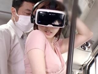 VR体験中に痴漢ハメ