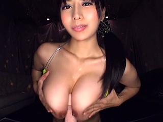 巨乳美女がセンズリサポ!!